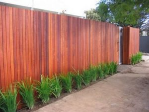 lem-kayu-Terkuat-untuk-pagar